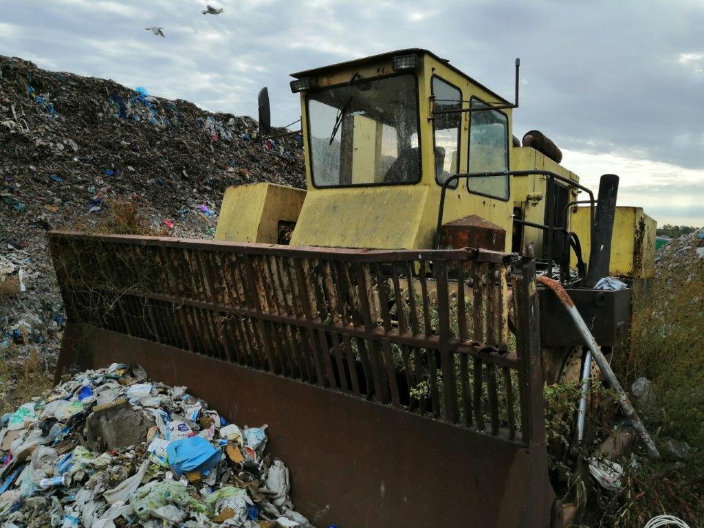 Zaproszenie do złożenia oferty na zakup złomu w postaci wyeksploatowanego urządzenia do zagęszczania odpadów typu TANA
